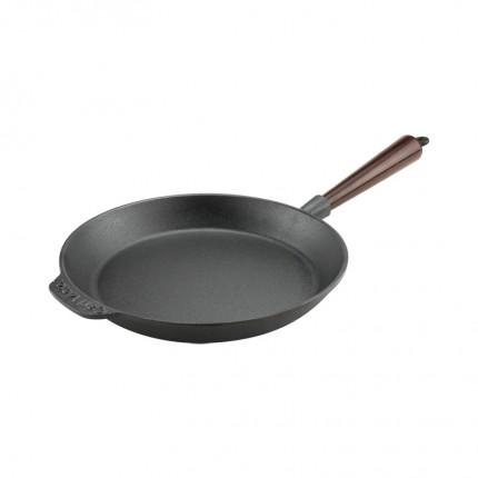 Μαντεμένιο τηγάνι Carl Victor 24cm με ξύλινο χερούλι | www.mantemi.gr